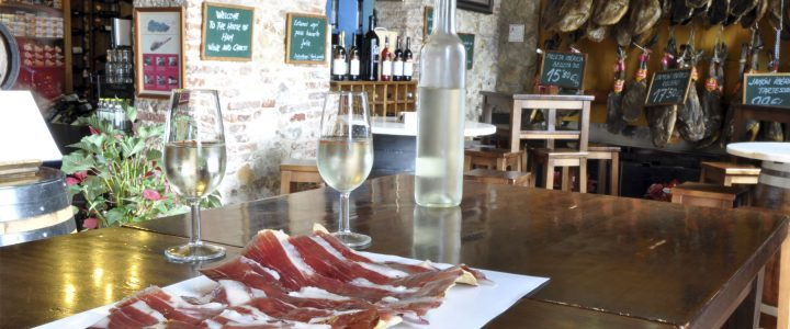 Where to eat and drink in Isla Canela – Tapas places – Pre Dinner Tapas